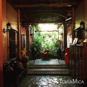 TM Honduras doorway, Comayagua