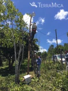 TM stringing lights outside La Cayetana project 2015